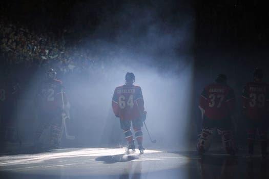 No entiendo nada de hockey sobe hielo, pero para mí Granlund es crack (?). Foto: Reuters