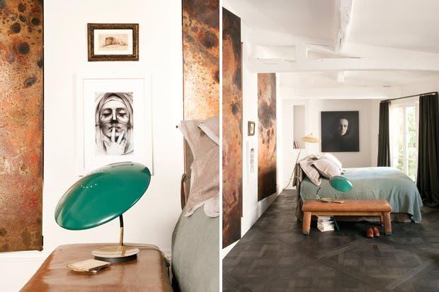Al igual que la bañadera, la cama tiene en su espacio una ubicación central, descartando el habitual apoyo contra la pared. Una situación que plantea otro modo de aproximarse a lo cotidiano..