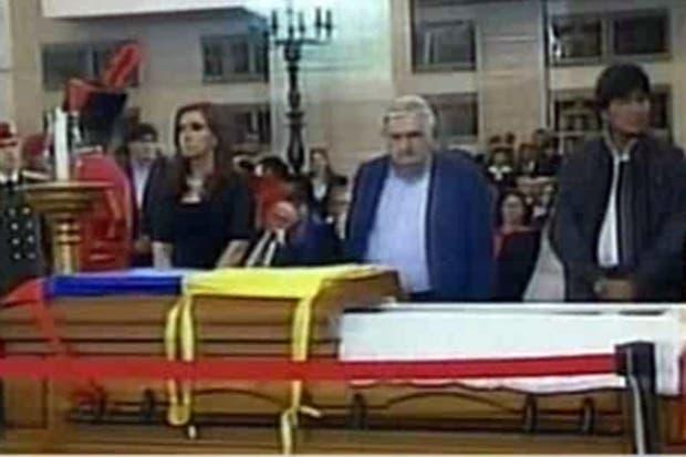 La Presidenta, acompañada por José Mujica y Evo Morales