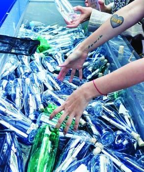 Mensajes del océano, en las botellas..