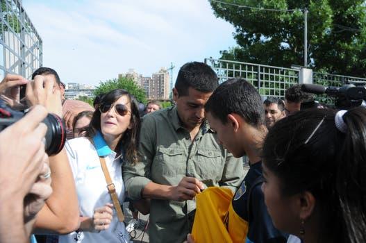 Riquelme se presentó en Casa Amarilla y sostuvo que mantiene su palabra y no vuelve. Foto: FotoBAIRES