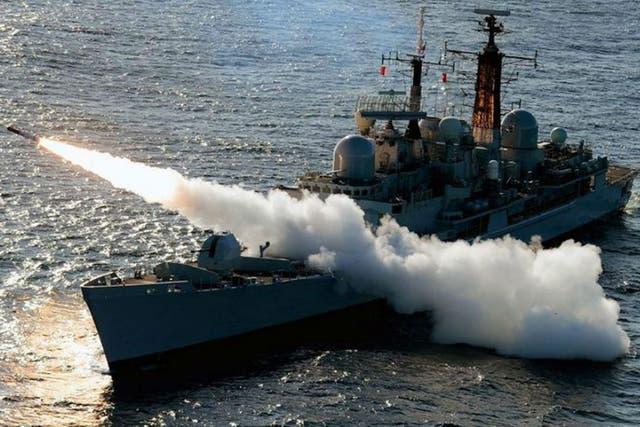 El buque destructor HMS Edinburgh fue enviado a Malvinas y cumplirá tareas hasta marzo
