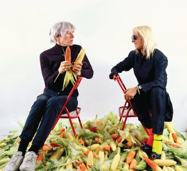 En Nueva York, Minujín le pagó a Andy Warhol la deuda externa argentina con maíz, el oro latinoamericano