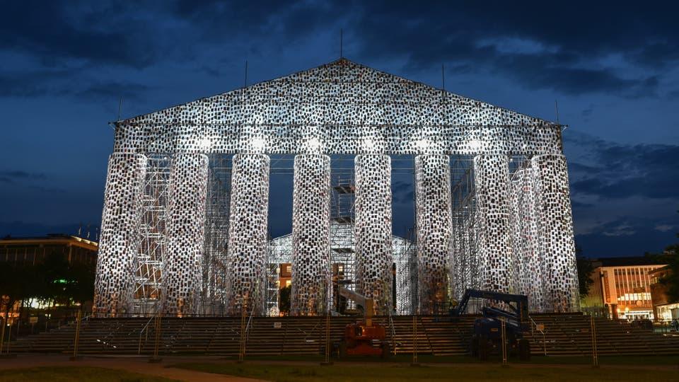 El Partenón que Marta Minujín presentará al mundo este sábado, en la ciudad de Kassel, Alemania. Foto: DPA / Uwe Zucchi