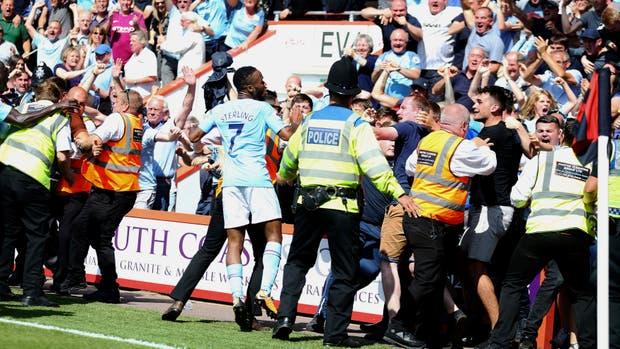 El agónico gol de Sterling y su festejo ante los hinchas del City