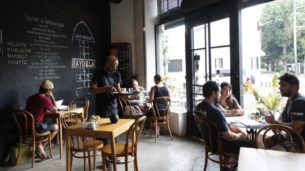 Rayuela, un café y restaurante en el corazón de Agronomía