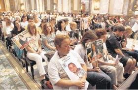 Familiares y sobrevivientes recuerdan a las víctimas de la tragedia