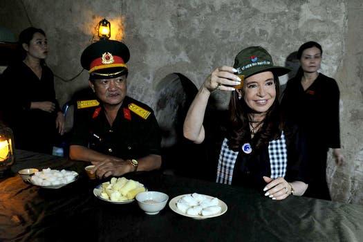 Cristina Kirchner visitó el museo y los túneles vietnamitas a 38 años de la capitulación de Estados Unidos. Foto: DyN