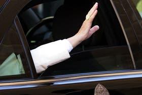 El anillo papal de Benedicto XVI será destruído con un martillo de plata