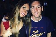 """""""Felicitaciones amor"""", el saludo de Antonella Roccuzzo a Lionel Messi en la fiesta privada de Barcelona"""