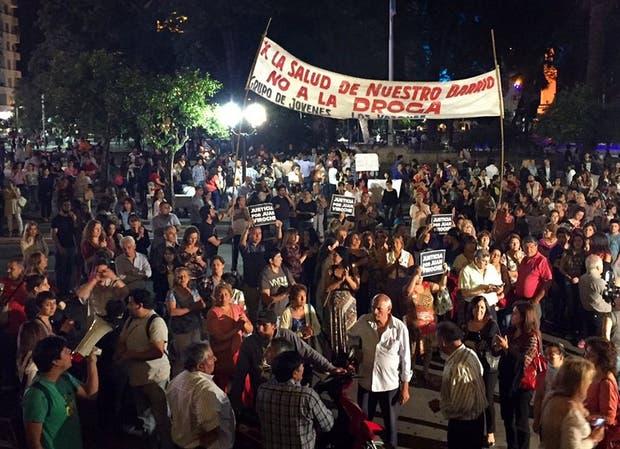 Unas 5000 personas marcharon anoche en la Plaza Independencia