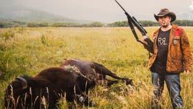Una de las fotos de Matías Garfunkel con animales muertos