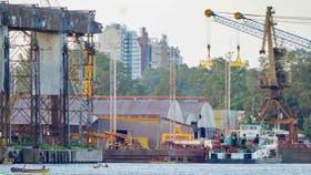 Cuatro terminales portuarias suspenden sus actividades por la muerte de un operario