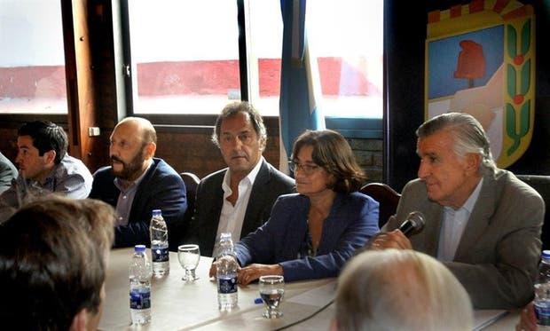Insfrán, Scioli, Corpacci y Gioja, ayer, en el Consejo Nacional del PJ