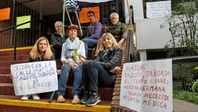 """Acampe y """"huelga de hambre"""" en el Belgrano Day School por una batalla judicial; Alfredo, Miguel, Beatriz, Lily, Luicy y Jone"""