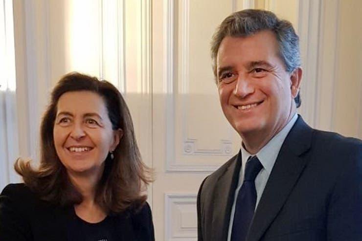 El ministro con Monique Eloit, de la OIE, en París