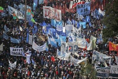 Las organizaciones sociales preparan un cronograma de movilizaciones y piquetes más intenso para marzo