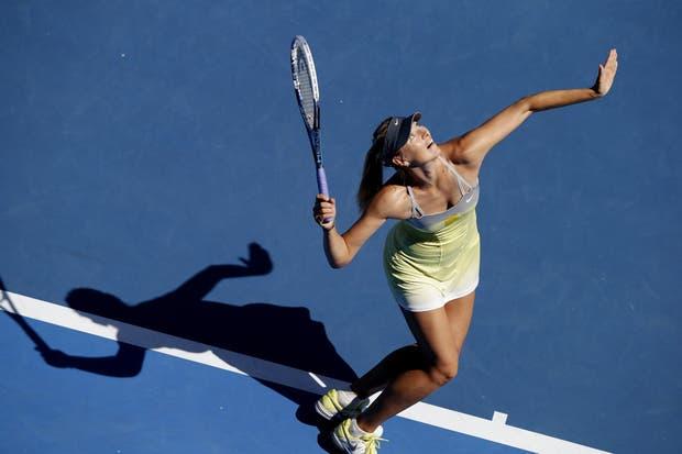 Sharapova, el centro de las miradas, ya está en semifinales.  Foto:AP