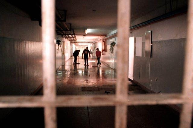 Robo y tentativa de robo es el principal delito por el que están detenidos los presos en la Argentina