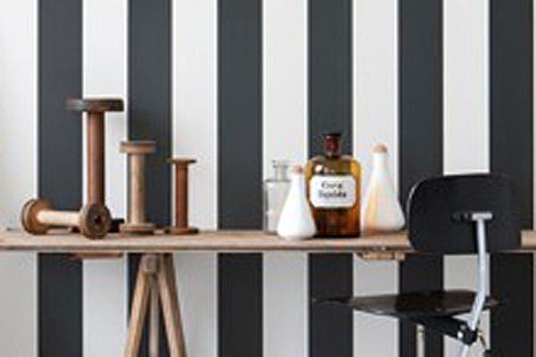 Le gustan las rayas en blanco y negro. Pueden ser aplicadas de distintas manera y siempre dan un toque de sofisticación en sillones, alfombras, manteneles..