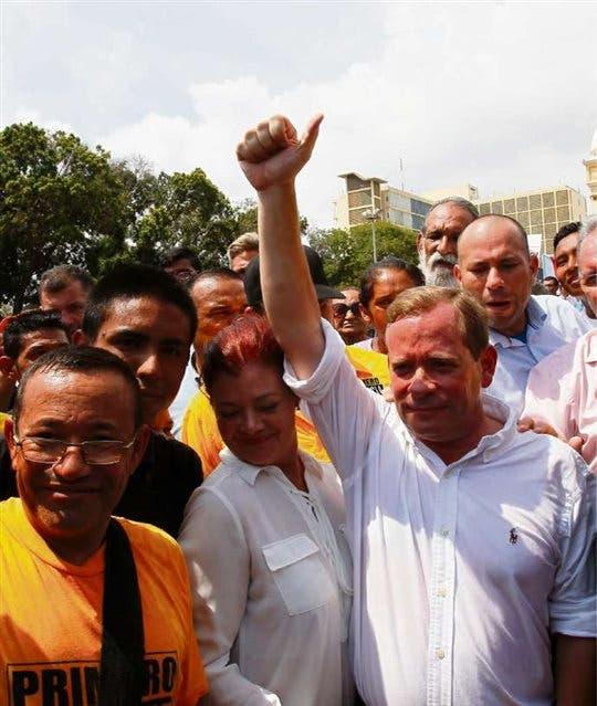 Guanipa encabezó ayer una protesta por su destitución a en el estado de Zulia