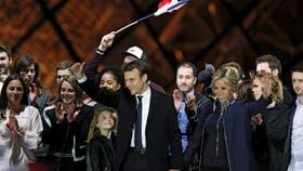 El festejo de Emmanuel Macron, tras el triunfo