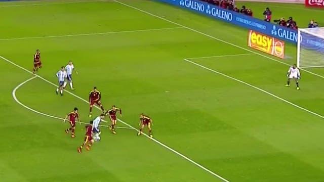 La jugada de Messi, con una captura de la transmisión oficial