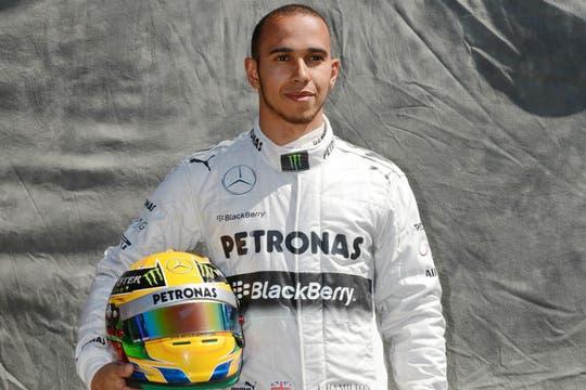 No me queda claro si corre F1 o es un astronauta. Foto: AFP