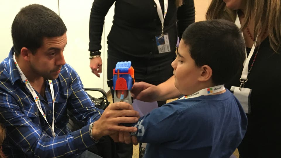 En total fueron 20 chicos que tuvieron una prótesis gratis. Foto: LA NACION
