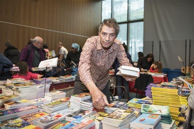 El editor Vincent Safrat y sus ediciones infantiles de bajo costo