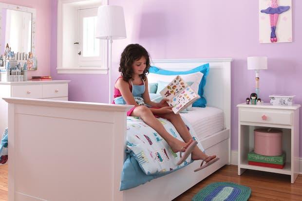 Un modelo que se transforma en el punto focal del cuarto, con una cabecera y pie de cama importantes, con mucha presencia..  /Archivo LIVING.