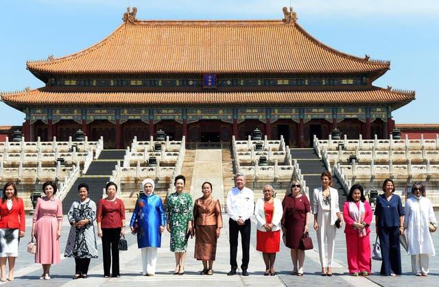 Awada y otras primeras damas, en la visita a la Ciudad Prohibida