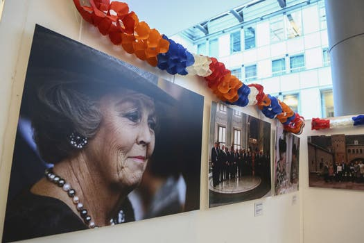 Una gran muestra fotógrafica homenajea a la reina Beatriz. Foto: EFE
