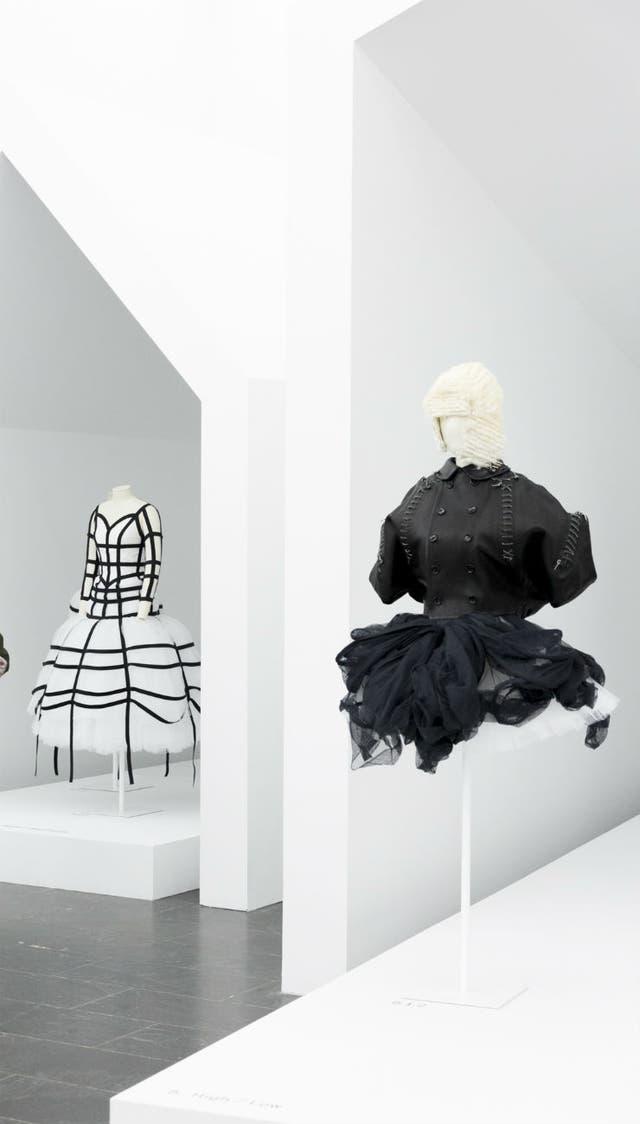 Rei Kawakubo es la fundadora de CdG y segunda diseñadora homenajeada en vida por el museo