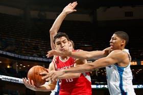 Delfino, con los Rockets, su cuarto equipo en la NBA