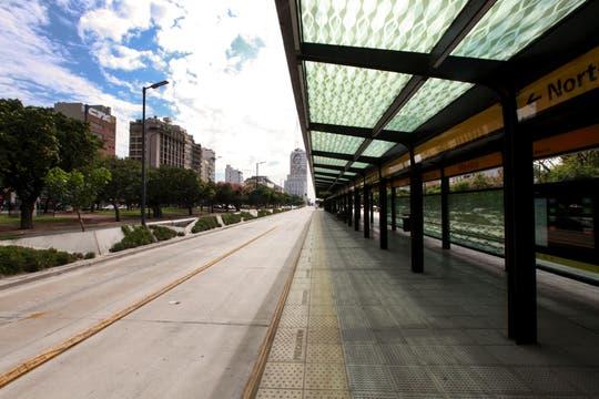 Rige el paro nacional, ciudad vacia, sin medios de trasnportes.Avenida 9 de Julio sin colectivos. Foto: LA NACION / Matías Aimar