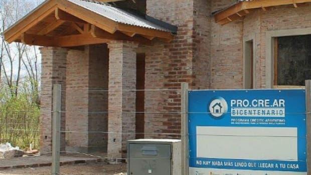 El Gobierno firmó el primer contrato para la construcción de 500 viviendas en el predio del ex Tiro Federal de Rosario