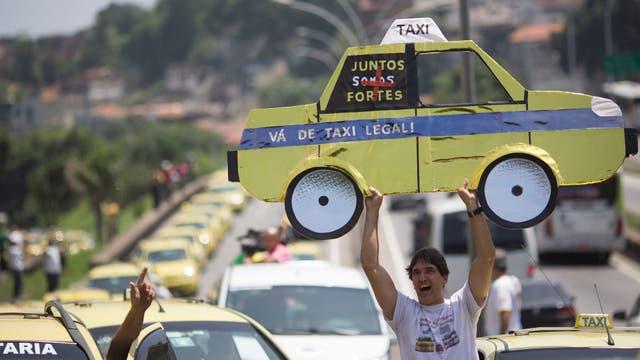 Uber enfrentó en todo el mundo marchas de taxistas que la consideran competencia desleal