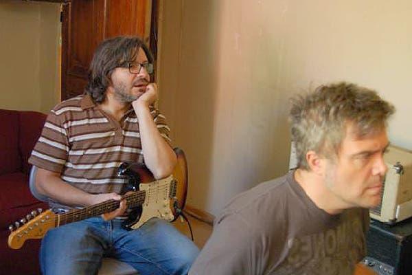 Moretti en plena grabación de Una temporada en el amor, junto al productor Juanchi Balerón