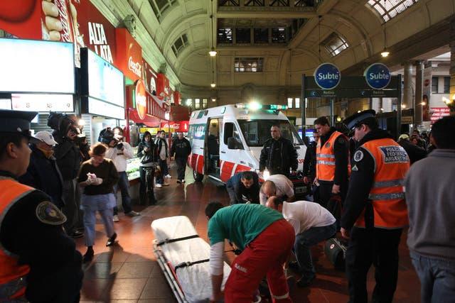 El SAME atendió a 25 pasajeros con heridas en el hall de la estación y otros seis fueron derivados a hospitales de la ciudad