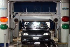 Los propietarios de locales de lavado de autos criticaron a los meteorólogos