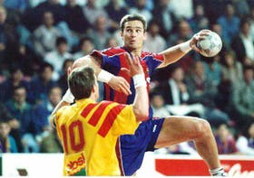 Iñaki Urdangarin cuando era jugador del FC Barcelona de handball