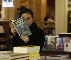 Pamela Puccio, interesada en el género, en la librería El Ateneo Gran Splendid