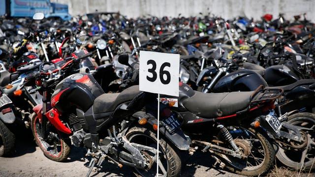 Cientos de motos retenidas por la justicia en el depósito de Villa Soldati