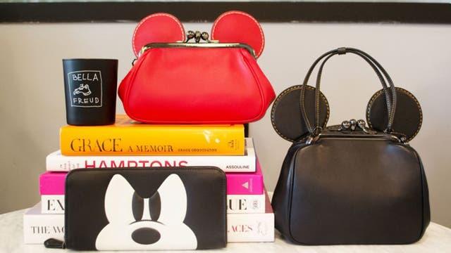 La colección de la firma Coach inspirada en Mickey Mouse