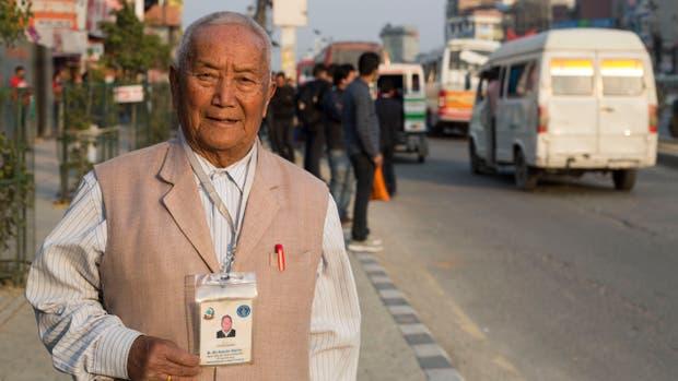 Min Bahadur Sherchan tenía 85 años y buscaba batir el récord de ser el hombre con mayor edad en escalar el Everest