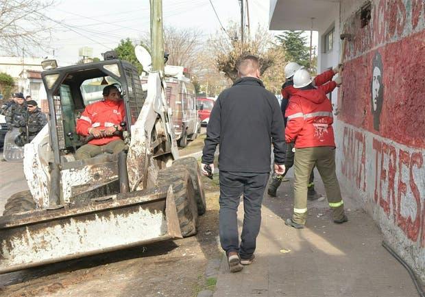 Derrumbaron un bunker del narcotráfico en Morón
