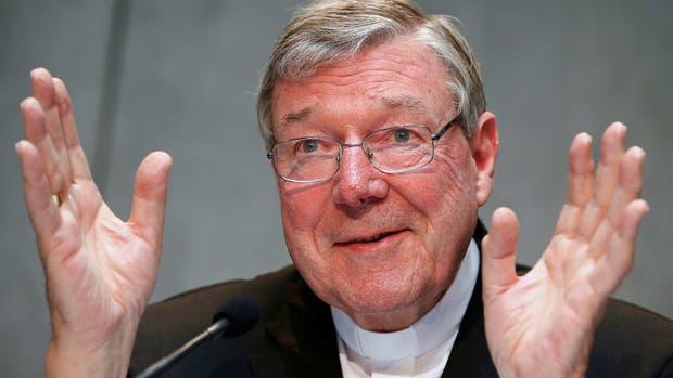El cardenal australiano George Pell quedó comprometido