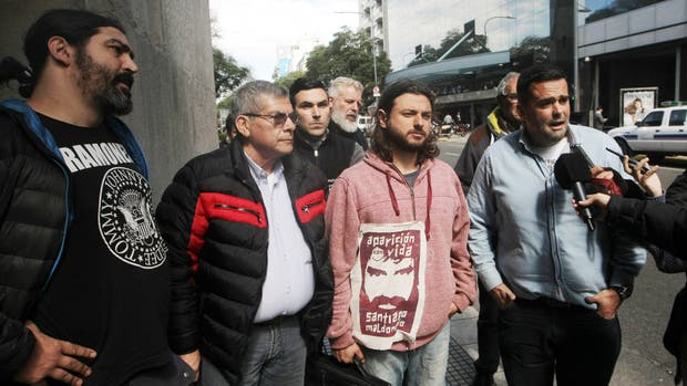 Organizaciones sociales llegan al Ministerio de Acción Social para una reunión con Carolina Stanley, Jorge Triaca y Mario Quintana