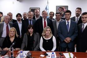 Leopoldo López y otros dirigentes antichavistas, en el Congreso argentino